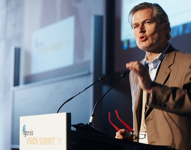Gunter Pauli speaking on the Blue Economy, Photo source: Genisis-Institute